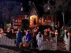 Best Neighborhoods to Trick-or-Treat for Los Angeles Kids