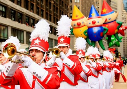 Thanksgiving Weekend for NYC Kids: Macy's Parade, Santaland, Dyker Lights