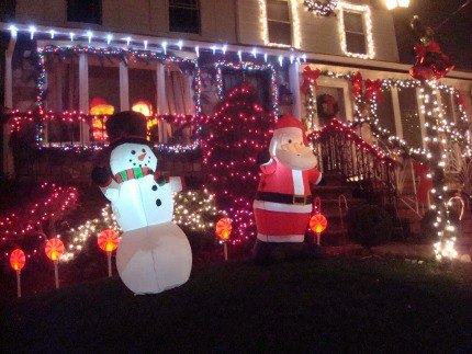 Snowmen and Santas abound in Dyker Heights