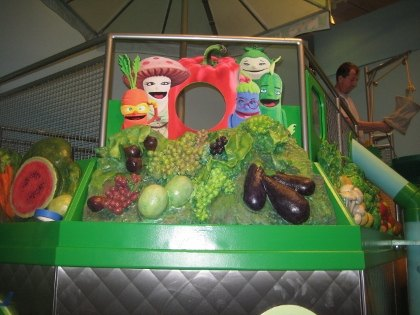 Eat: a fun green play space