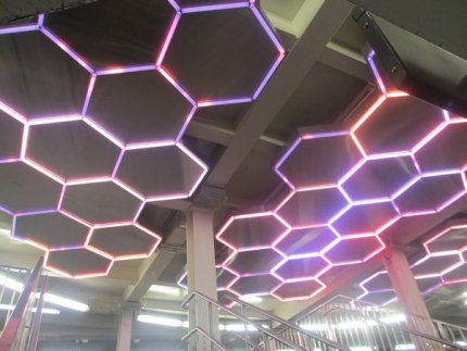 Leo Villareal's LED honeycomb Hive constantly changes