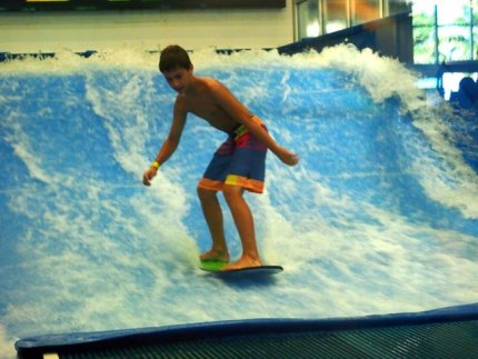 Flow Rider indoor surfing at Surf Style