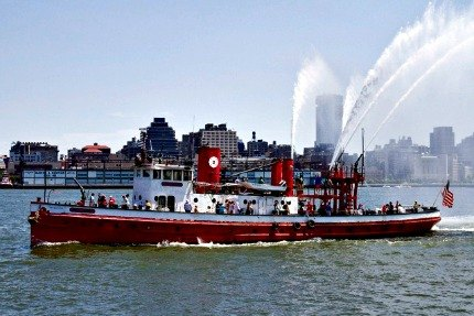 The Fireboat John J. Harvey in action; photo: Mai Armstrong