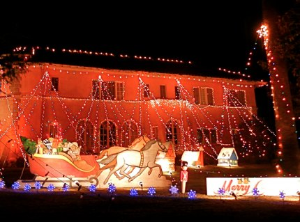 Christmas lights around mommy poppins cities holiday eye candy