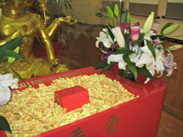 Finding a fortune at a Buddhist temple in Chinatown