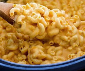 10 Easy Crockpot Recipes and Meals for Family Dinner: Mac n cheese