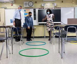 Mayor Bill De Blasio and Schools Chancellor Richard Carranza tour a school in Far Rockaway to asses its progress in planning for reopening. Photo by Ed Reed/Mayor's Office