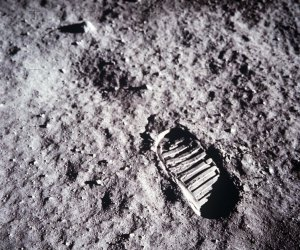 Bootprint on the Lunar Surface   A close-up view of astronaut Buzz Aldrin's bootprint in the lunar soil, photographed with the 70mm lunar surface camera during Apollo 11's sojourn on the moon.   Image Credit: NASA