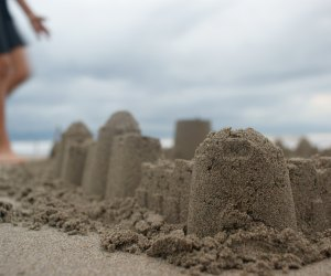 Fun Activities for Grandparents To Do with Kids: Build sandcastles