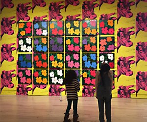 Observing a wall of Warhol's Flowers,1964.