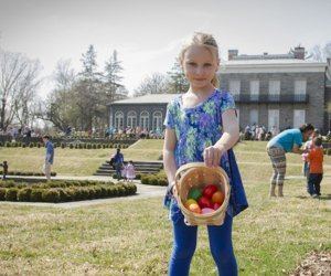 The Bartow-Pell mansion hosts three days worth of egg hunts and Easter Bunny pictures