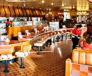 Themed Restaurants and Dinner Shows near Los Angeles: Bob's Big Boy