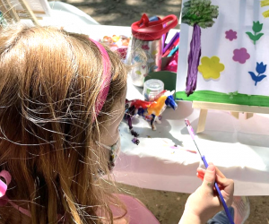 Color Architect Kids hosts outdoor painting classes for kids in Prospect Park. Photo courtesy of the studio