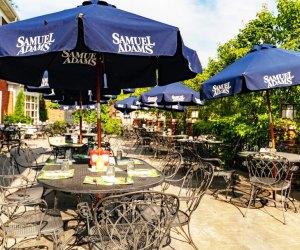 Chicago-Area Outdoor Restaurants for Families: Hackney's