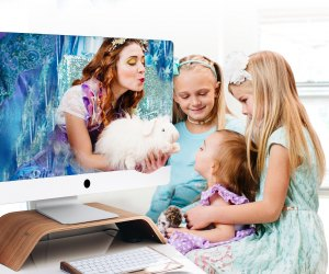 "<a href=""https://happilyeverlaughter.com/?utm_source=mommypoppins&utm_content=Directory%20Listing&utm_medium=blog"">Happily Ever Laughter</a>'s entertainers give parents a break by offering children their full attention during live online playdates and parties."