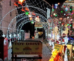 Christmas lights at 140 Cedar Avenue