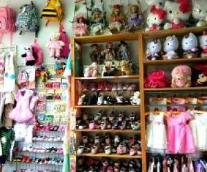e910ff691 Sunnyside & Woodside Kids' Stores: Best Toy Shops, Children's Boutiques &  Thrift Stores | MommyPoppins - Things to do in New York City with Kids