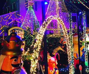 best holiday light displays in new jersey mommypoppins things to do in new jersey with kids - Outdoor Christmas Decorations Nj