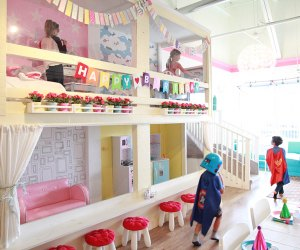 kids playing in play space at Liddle Bites