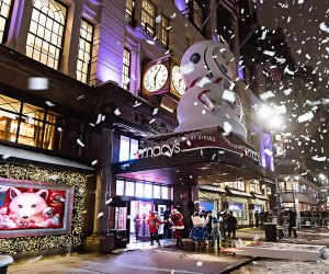 Nyc S Most Dazzling 2018 Holiday Window Displays Mommypoppins