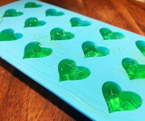 Mom Hacks That Make Everything Easier: Frozen aloe cubes for sunburns