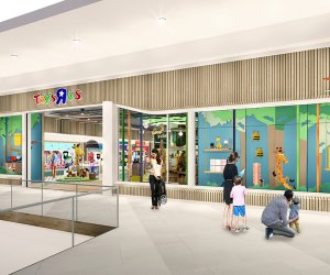 Toys 'R' Us will be back in time for the holiday season!