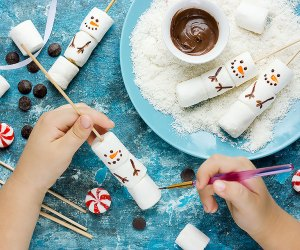 40 Snow Day Boredom Busters For Kids Mommypoppins Things To Do