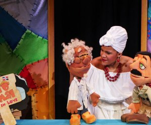 Pedro Animal Falls in Love is a comical folktale from the Dominican Republic  told in puppet form by Teatro Sea. Photo courtesy of Teatro Sea