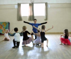 Dance Classes for Kids in Los Angeles: Petite Feet Dance classes for little dancers