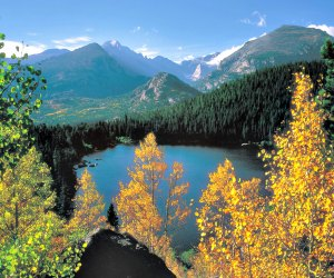 Stunning Rocky Mountain National Park views await about an hour and a half from Denver
