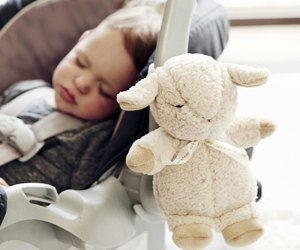 The portable Cloud b Sleep Sheep plays white noise and baby sleep music.
