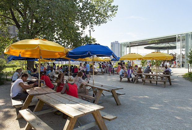 Picnic in Brooklyn Bridge Park for your child's next birthday