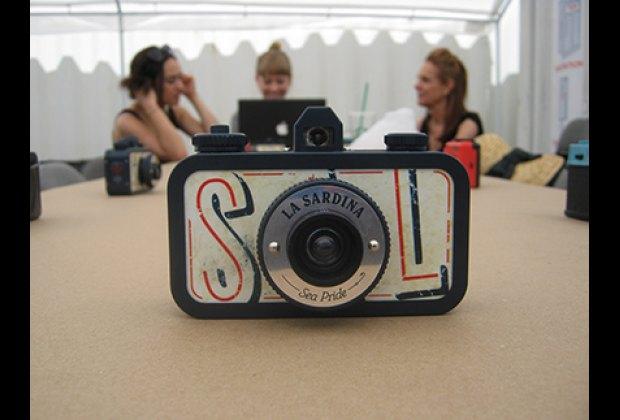 35mm sardine can camera, La Sardina! at a Lomography workshop