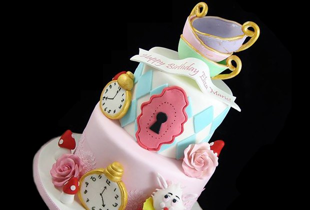 Amazing 10 Birthday Cake Bakeries In Nyc With Stunning Designs For Kids Birthday Cards Printable Nowaargucafe Filternl