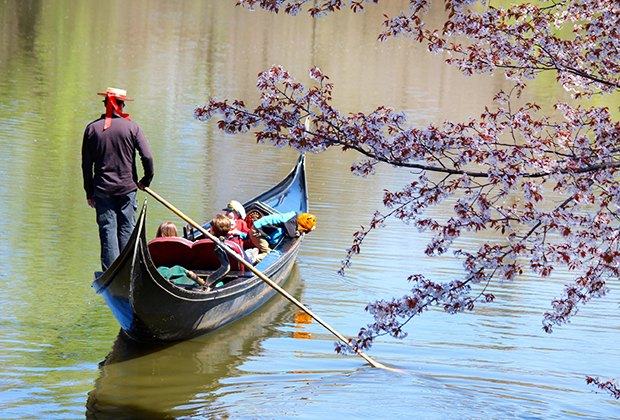 Hidden nyc 21 fun things to do in central park mommy for Things to do at central park