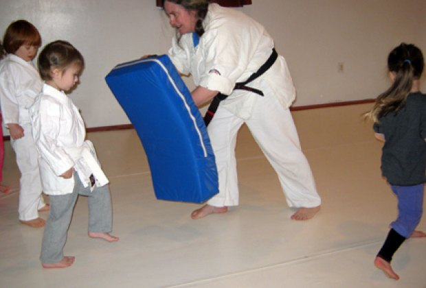Getting ready to give a knee-kick