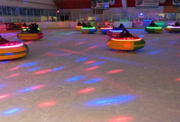 The lights go out during dico ice bumper car sessions
