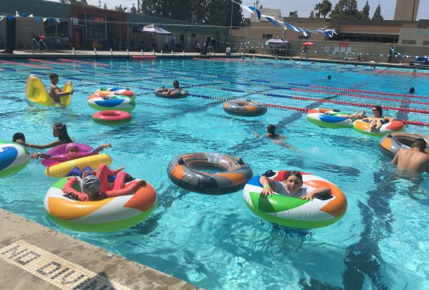 Swimming Pools And Lakes Where Kids Can Swim Today Around Los Angeles Mommypoppins Things To Do In Los Angeles With Kids