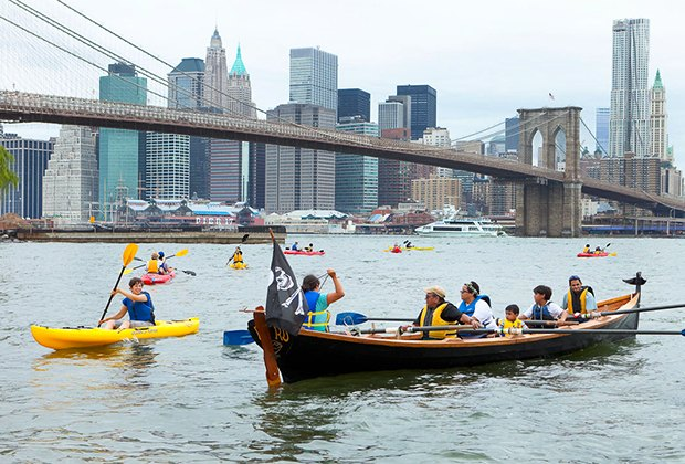 Go for a row or kayak with Brooklyn Bridge Park Kayaking.