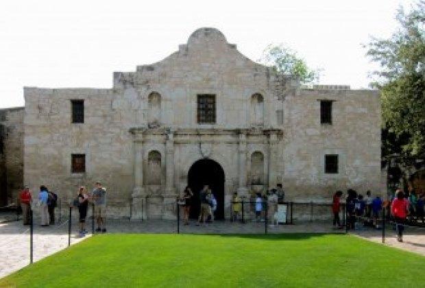 Visit the Alamo in San Antonio, Texas