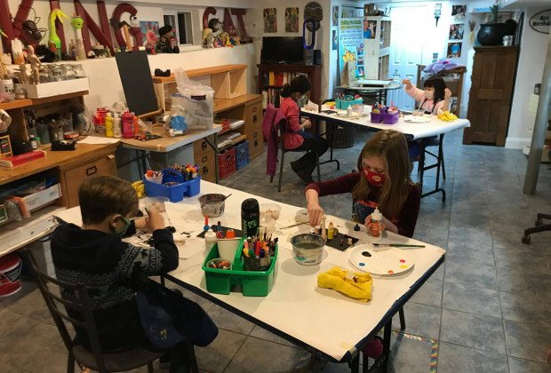 Barking Cat art studio offers arts and crafts classes for kids
