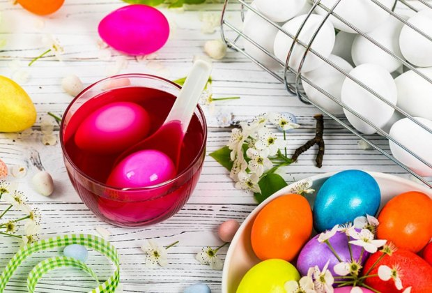 How to Dye Easter Eggs: Use natural or store-bought sye for beautiful hues.