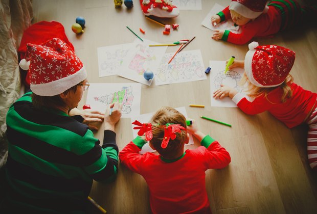 12 Christmas Traditions Holiday Activities And Zoom Ideas To Start At Home In 2020 Mommypoppins Things To Do In New York City With Kids