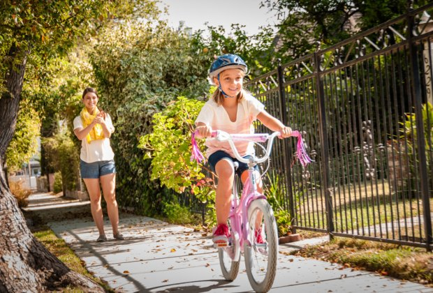 8 Tips for Teaching Your Child to Ride a Bike Without Training ...