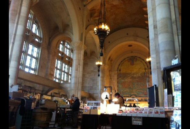 The Brooklyn Flea's Fort Greene flagship location takes treasure hunting to a whole new level