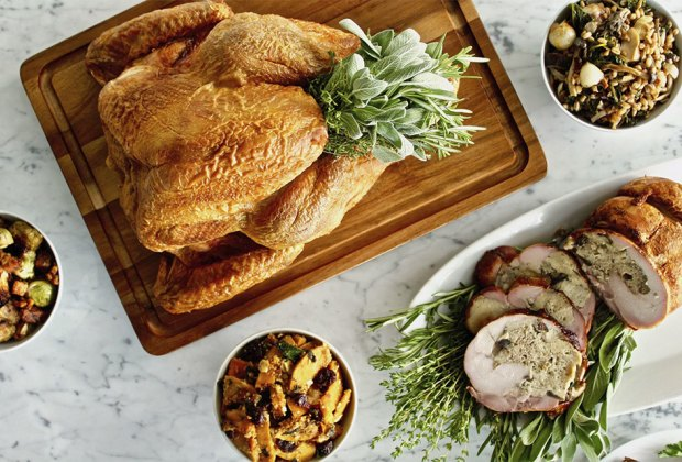 13 Restaurants Offering Thanksgiving Dinner Takeout In Nyc In 2020 Mommypoppins Things To Do In New York City With Kids
