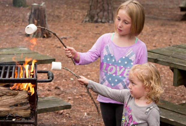 Last Minute Campgrounds in Southern California: kids making s'mores