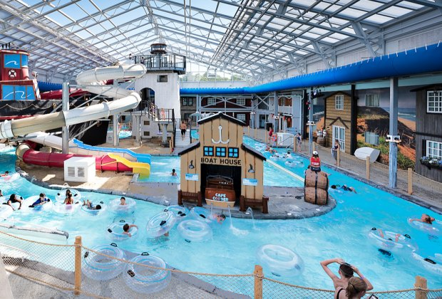 7 Indoor Water Parks in New England | MommyPoppins - Things