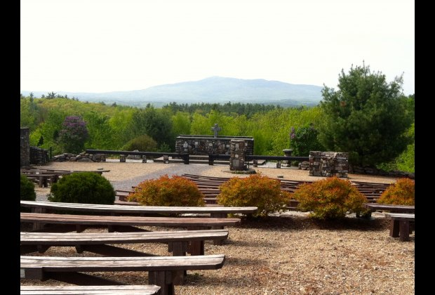 A Family Getaway to Mount Monadnock: Keene, Peterborough ...