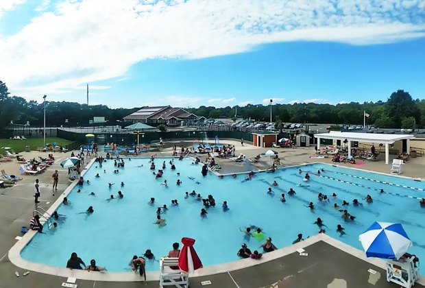 Best Public Swimming Pools for LI Kids, with Water Slides